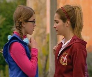 Antonella and Patito tells that are not sisters because his father not is Leandro puzzle