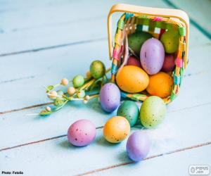 Basket with painted eggs puzzle