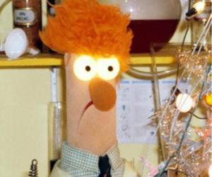 Beaker doing an experiment in the laboratory of the Muppets puzzle