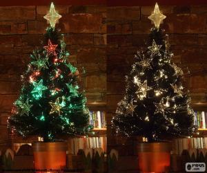 Beautiful tree of Christmas puzzle