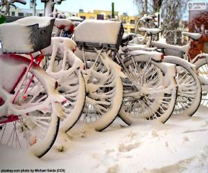 Bikes in winter puzzle
