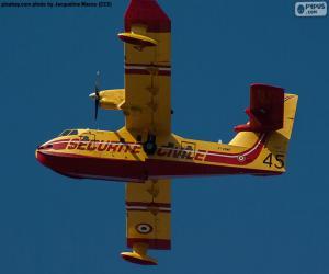 Canadair CL-215, seaplane puzzle