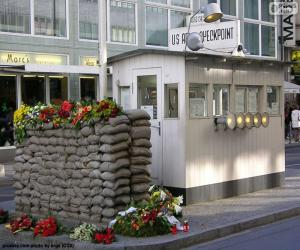 Checkpoint Charlie, Berlin puzzle