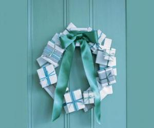 Christmas wreath made of cardboard boxes and tie puzzle