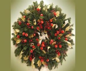 Christmas wreath with fruits puzzle