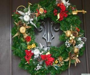 Decorated Christmas wreath puzzle