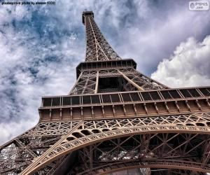Eiffel Tower at day puzzle