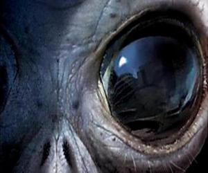 Eye alien puzzle