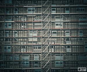 Facade scaffold puzzle