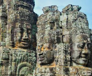 Faces of stone, Angkor Wat puzzle