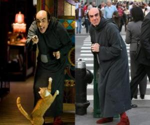 Gargamel and his cat Azrael Smurfs to look for us in Manhattan puzzle