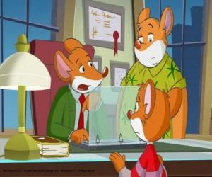 Geronimo Stilton, with his cousin Trap and his nephew Benjamin puzzle