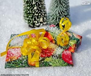 Gifts with yellow ribbon puzzle