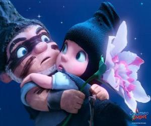 Gnomeo and Juliet, in a scene from the film puzzle