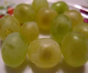 Grapes of new year puzzle