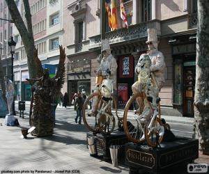 Human statues, Barcelona puzzle