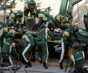 Jarno Trulli - Lotus - Bahrain 2010 puzzle