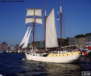 Large sailboat puzzle