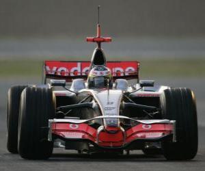 Lewis Hamilton piloting its F1 puzzle