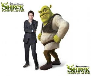Mike Myers provides the voice of Shrek in the latest film Shrek Forever After puzzle