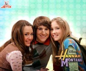 Miley Stewart and his friends puzzle