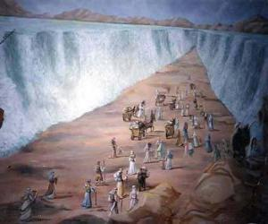 Moses divide the waters of the Red Sea in the exodus of the jewish people puzzle