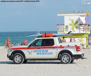 Ocean Rescue car from Miami Beach puzzle