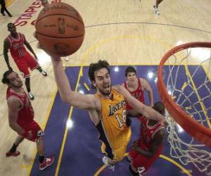 Pau Gasol going for a slam dunk puzzle