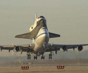 Plane carrying a space shuttle puzzle