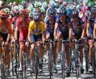 Lance Armstrong in the bunch