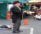 Clown doing jugglings