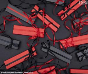 Red and black gifts puzzle