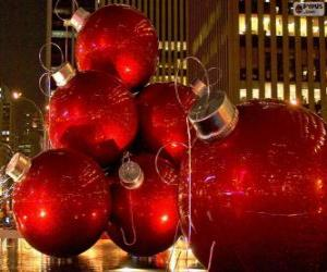 Red Christmas balls puzzle