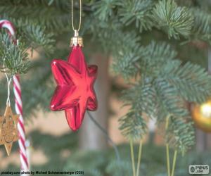 Red Christmas star puzzle