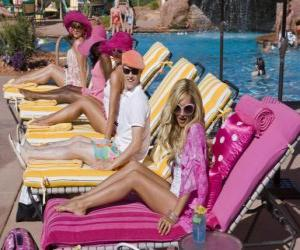 Ryan Evans (Lucas Grabeel), Sharpay Evans (Ashley Tisdale) in the pool puzzle
