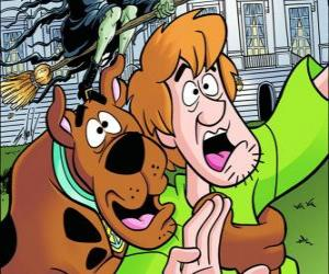 Scooby-Doo and its friend Shaggy running away frightened puzzle