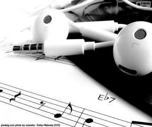 Sheet music i headphones puzzle