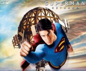Superman, the superhero flying puzzle