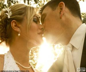 The bride and groom Kiss puzzle