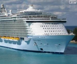 The cruise Oasis of the Seas, the world's largest puzzle