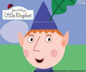 The face of the Ben Elf and his triangular hat with the oak leaf puzzle