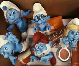The Smurfs scared inside a box - The Smurfs Movie - puzzle