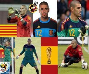 Víctor Valdés (The panther Hospitalet) Spanish team goalie or goalkeeper puzzle