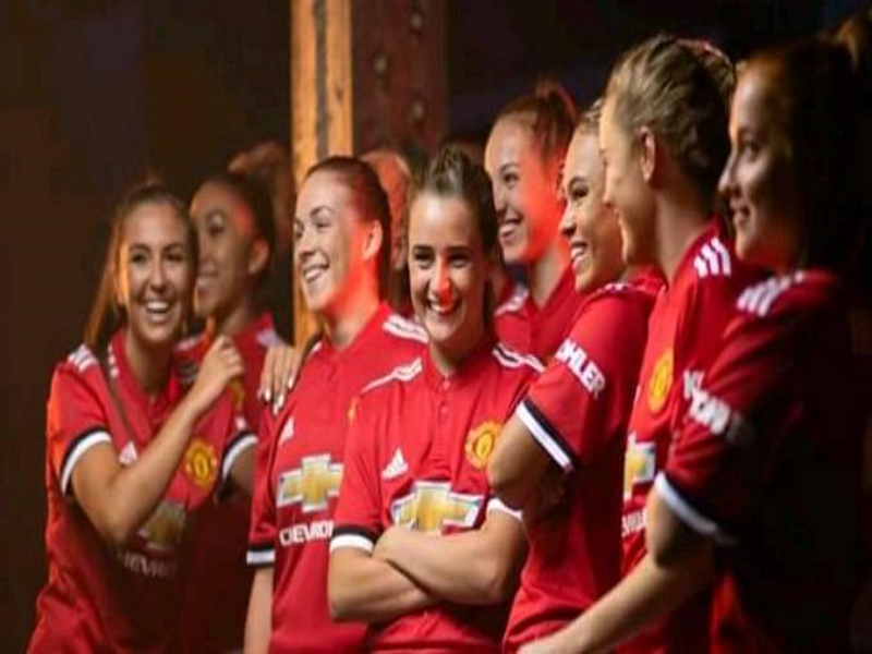 MANCHESTER UNITED WOMEN TEAM puzzle